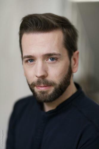 Portrait du comédien Florian Hillion